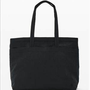 Lululemon On my Level Tote-Large 15L New With Tags